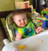 emile 8 mois ananas